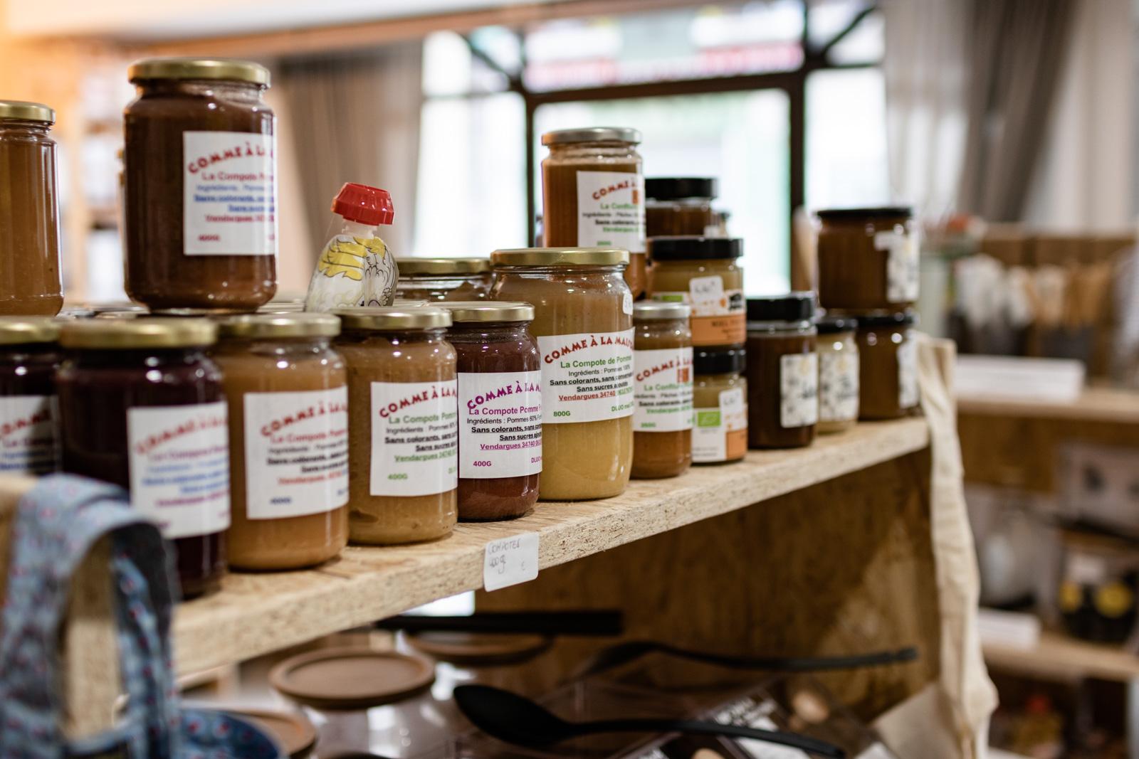 Produits alimentaires bio, bonbons, boissons, biscuits...